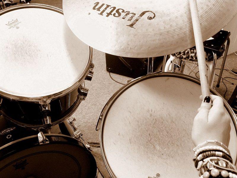 drumset hand